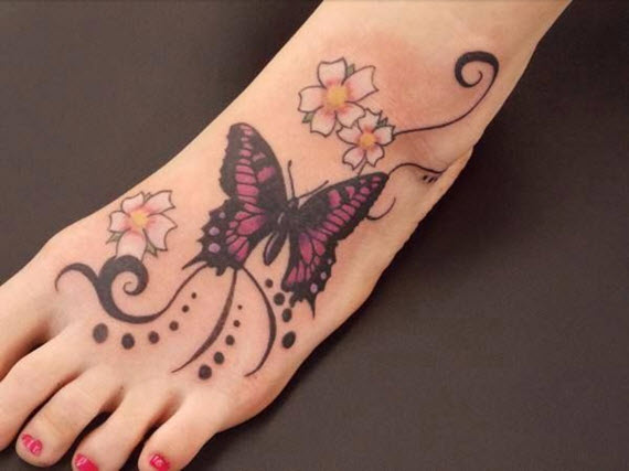 tatouage papillon pied