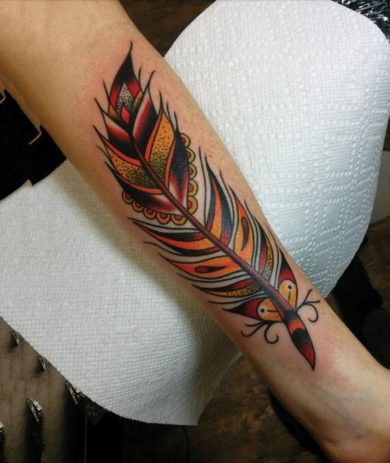 tatouage plume colorée