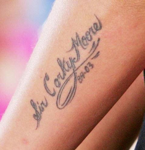 tatouage pink chanteuse