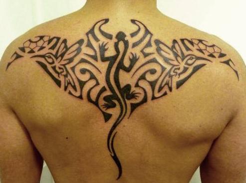 tatouage polynésien dos